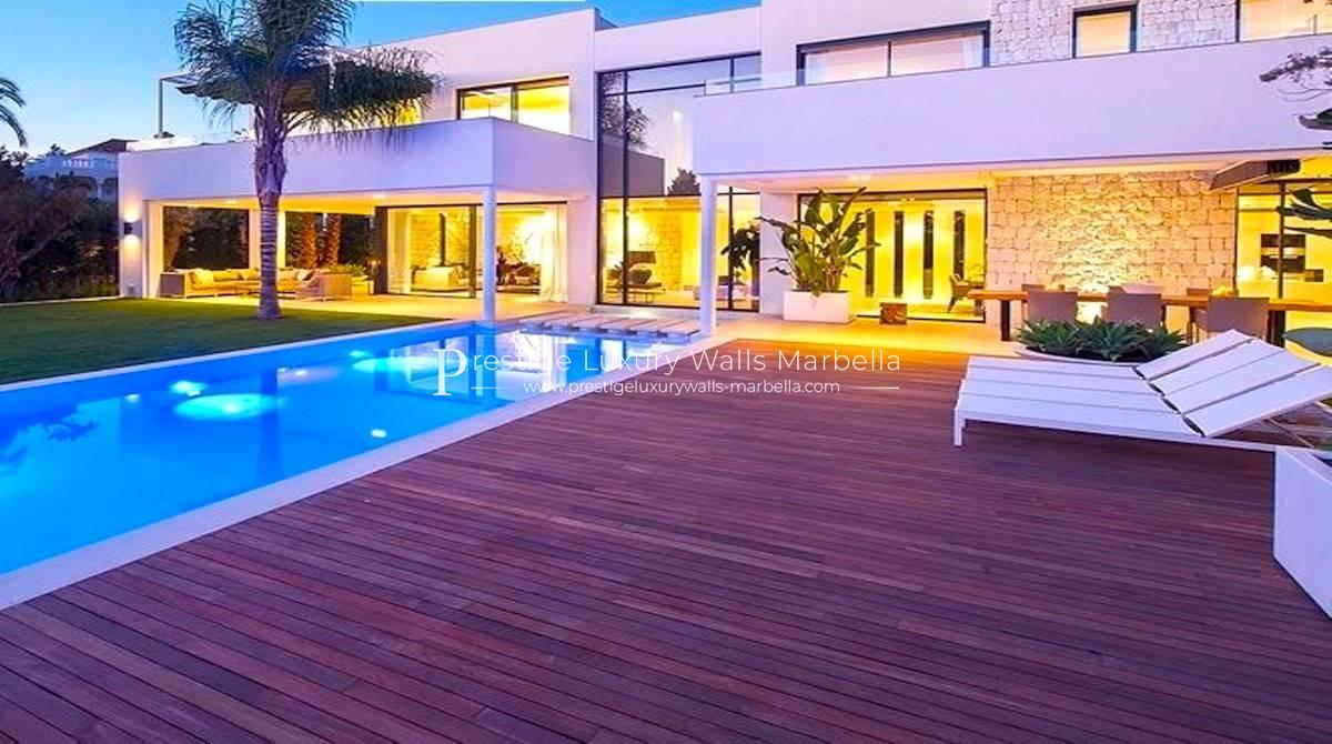 Luxueuse Villa Contemporaine en Vente à Guadalmina Baja
