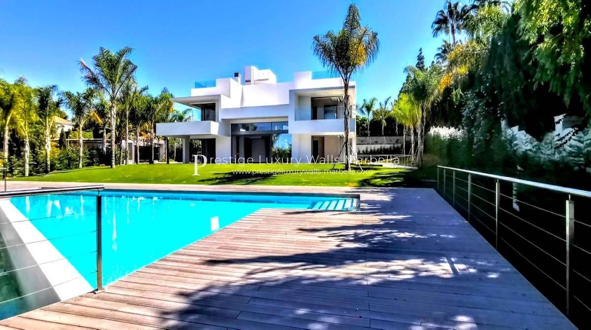 Sumptuous Luxury Villa for Sale in Guadalmina Baja Marbella