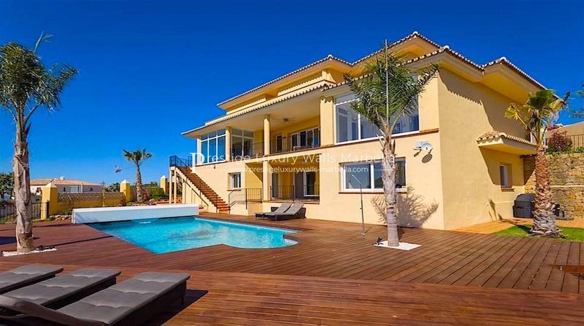 Luxury Villa For Sale With Sea View El Rosario in Marbella